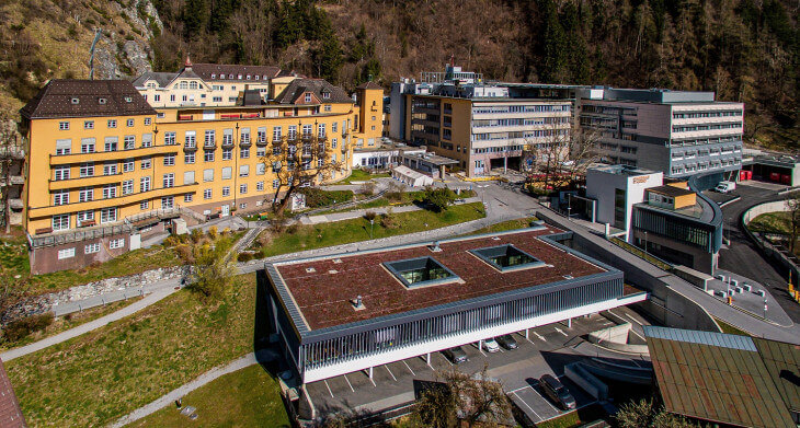 Krankenhaus St. Vinzenz Zams Flugaufnahme Provisuals